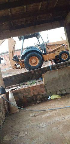 Vendo Retro escavadeira 580M - Foto 6