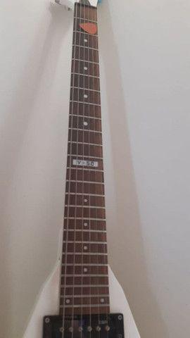 Guitarra Esp Ltd V-50 Branca - Foto 2