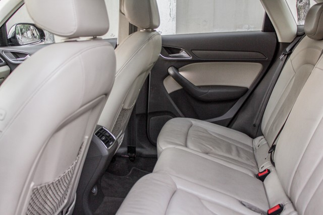 Audi Q3 2.0 TFSI Attraction S Tronic Quattro - Foto 8