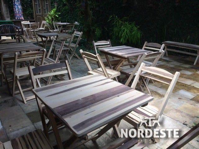Mesa cadeira de madeira
