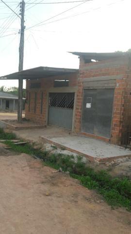 Vendo uma casa em fase de acabamento, pego carro como parte do pagamento