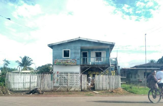 Vende-se ou troca com casa na zona sul