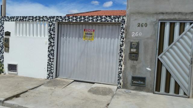 Linda casa de 2/4 1suite 100% na lage alguns metros da Av; Fraga Maia.