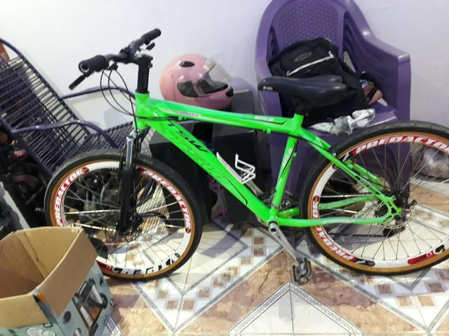 Vendo linda bike semi nova valor negociável