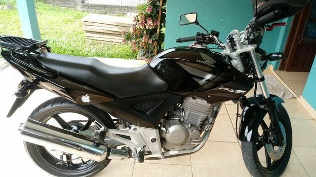 Vendo moto twister 250