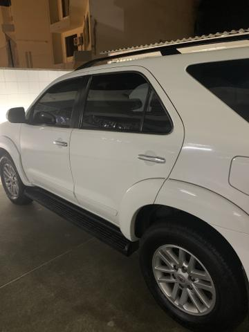 Toyota Hilux SW4 SRV - 5Lugares - Foto 6