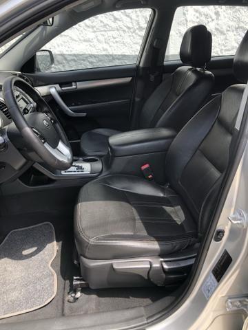 Vendo Kia Sorento Modelo EX2 carro muito novo 2012 - Foto 8