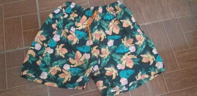 Shorts floral novo