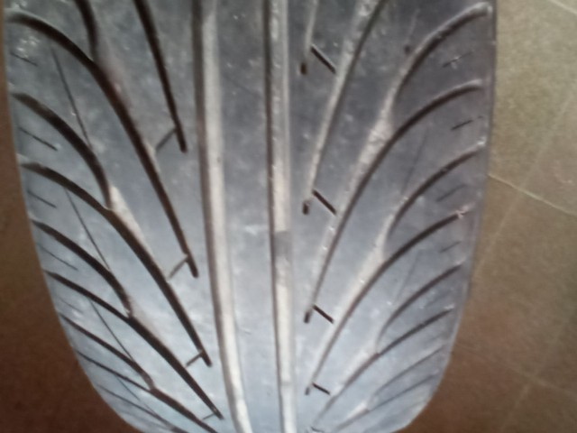 Aro 20 com pneus - Foto 3