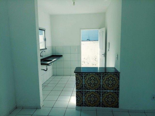 Ótima casa dois quartos em condomínio fechado - Foto 2