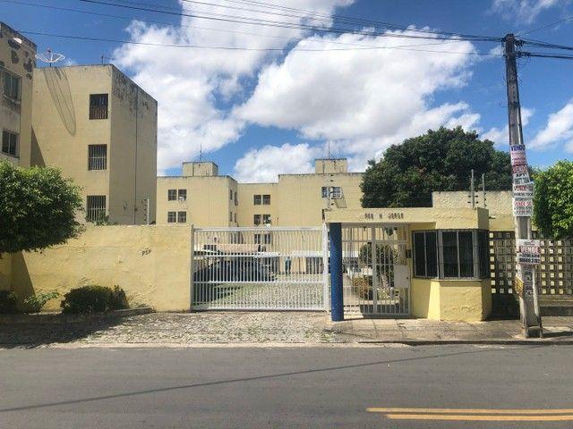 Apartamento no Bairro Henrique Jorge