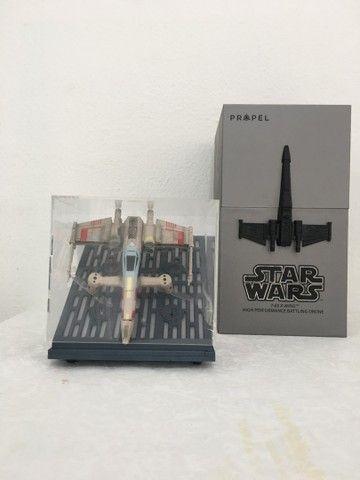 Vendo Drone Star Wars Modelo T65 X Wing usado apenas uma vez!
