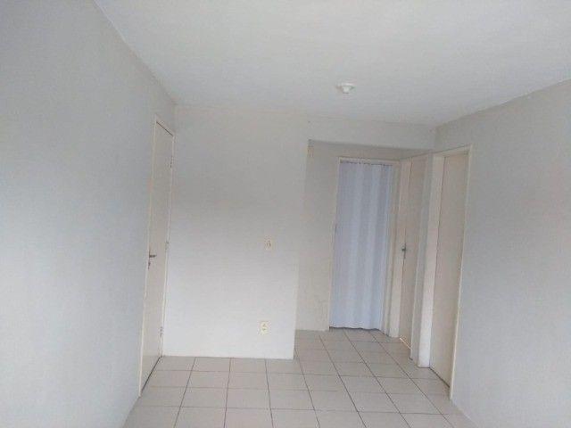 alugo apartamento taxas inclusas - Foto 3