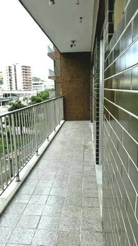 Apartamento espaçoso 2 quartos(suite)+ dependências de empregada garagem Penha Circular