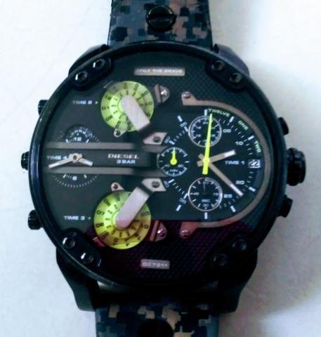 7a09c288bf0 Vendo Relógio Diesel Original - Bijouterias