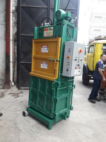 Prensa Hidráulica Para Fardos de Reciclagem - Fardos de papelão, pet, alumínio, etc - Foto 2