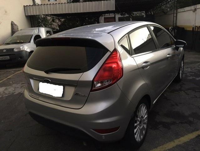 New Fiesta hatch Titanium automático com gnv 5 geração preço real - Foto 6