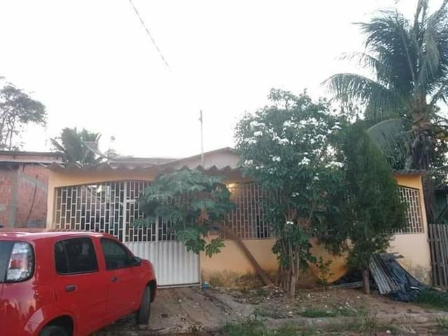 Casa, dois apartamentos e laje em construção - Foto 4