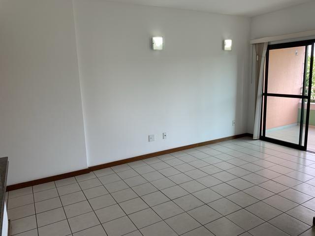 Vende-se Excelente Apartamento Semi-mobiliado no Eldorado Park - Foto 11