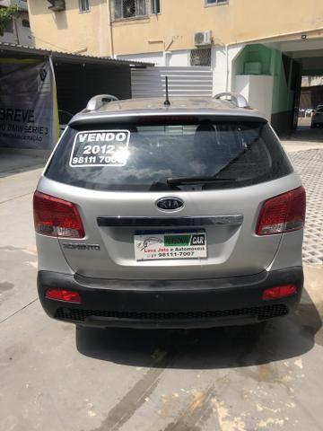 Vendo Kia Sorento Modelo EX2 carro muito novo 2012 - Foto 3