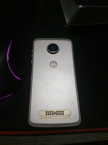 Moto z² play 64 g 3g de ram dual sim