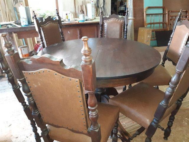 Mesa com 6 cadeiras antiguidade - Foto 2