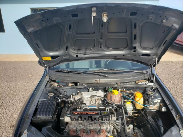 GM Corsa sedan 1.0 classic life - Foto 14