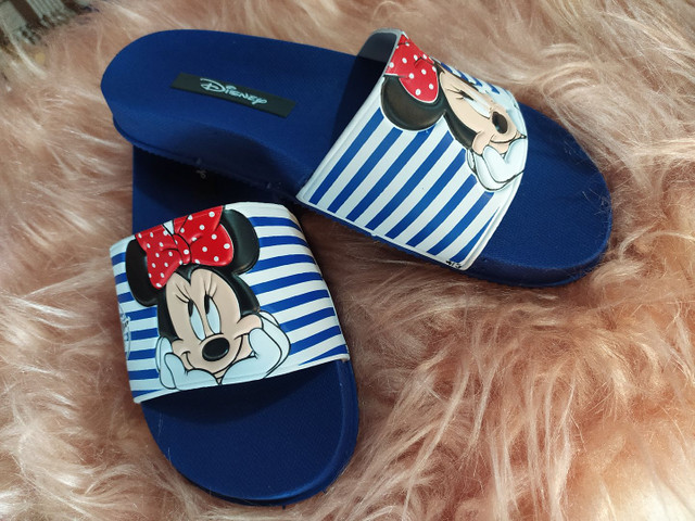 Chinelo slide Minnie e Mickey - Foto 4