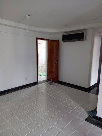 Apartamento  aluguel 78 m2, varanda,  2/4 + dependência Cidade Jardim Salvador - Foto 6