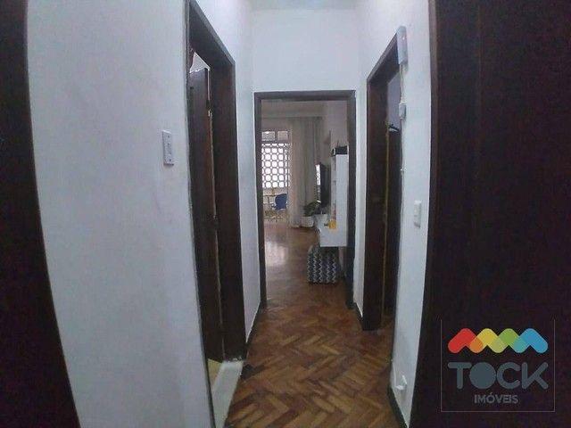 Alugo apartamento com três quartos, sendo um suíte, 150 m² - Barra - Salvador/BA - Foto 13