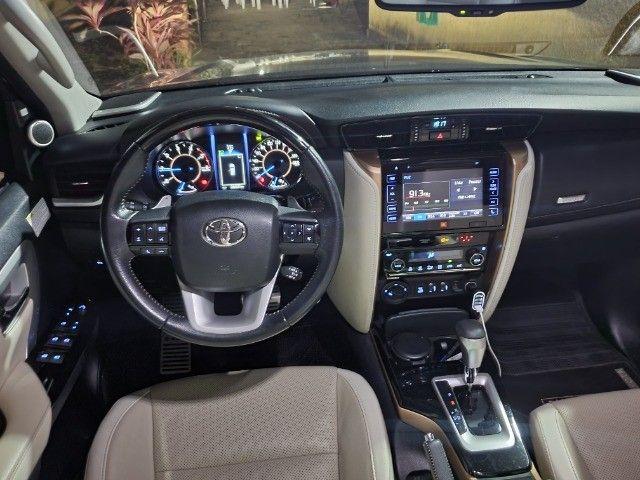 Toyota Hilux SW4 - Foto 11