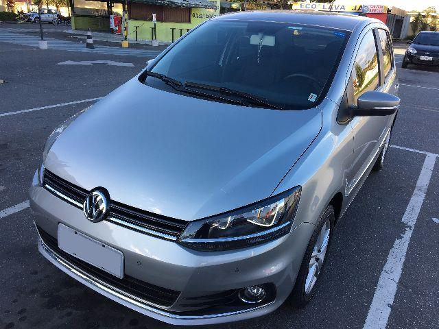 Vw - Volkswagen Fox Highline 2016 120cv com Opcionais