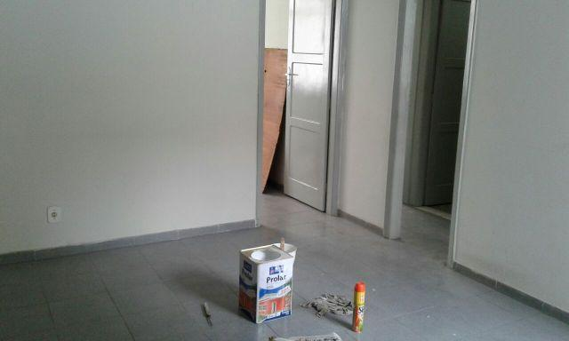 Apartamento dois quartos sala coz. banh. e area