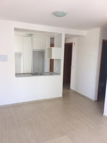 Apartamento 02 Quartos Semi-Mobiliado em Boa Viagem Excelente Localização