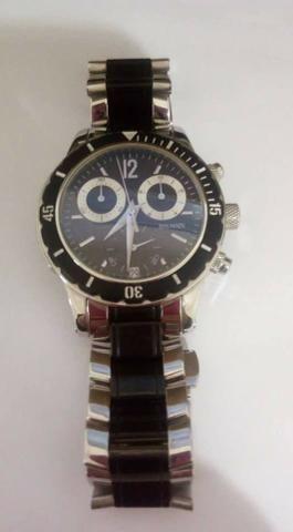 b4daba56f24 3 Relógios semi novos - Bijouterias