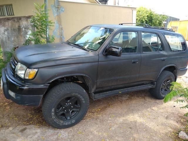 Hilux Sw4 2000 toda restaurada, tudo novo, preta muito conservada