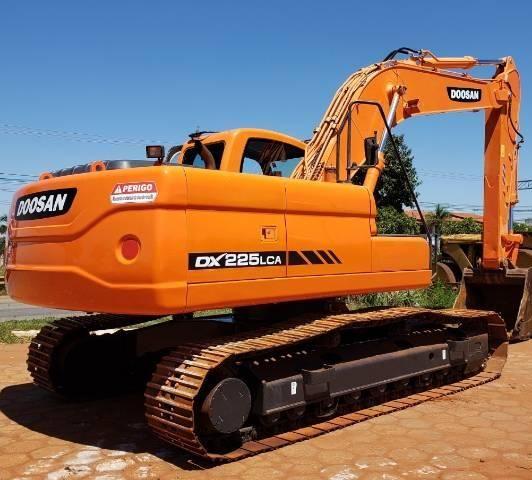 Escavadeira Doosan DX225 LCA ano 2011