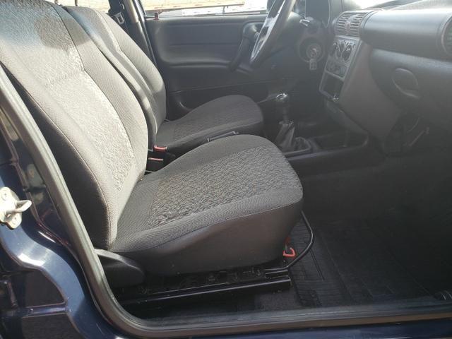 GM Corsa sedan 1.0 classic life - Foto 9