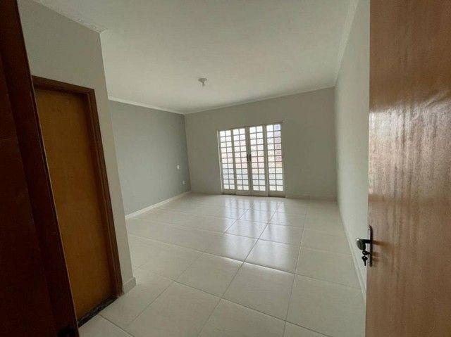 Casa para venda possui 141 metros quadrados com 3 quartos em Jardim São João - Araras - SP