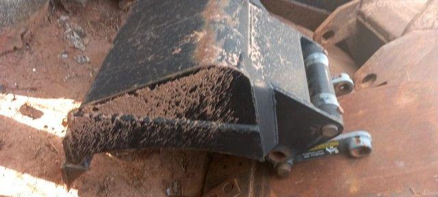 Mini Carregadeira New Holland L220 ano 2012 - Foto 5