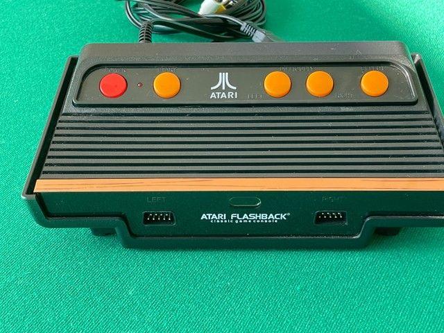Console Atari Flashback 101 jogos c/ 2 Joysticks - Foto 2