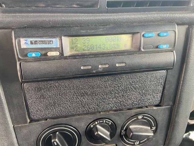 Caminhão baú refrigerado vw 9-160 ano 2012 super novo - Foto 8