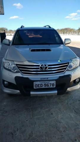 Toyota Hilux SW4 SRV 7 Lugares 12/13