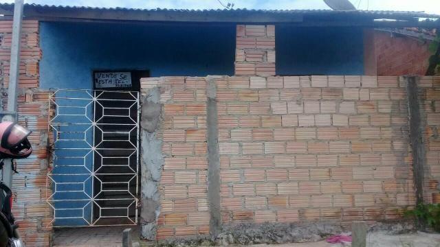 Vende-se una casa no bairro Santo André.