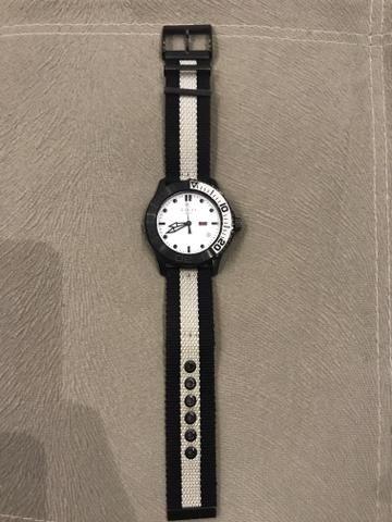 63eb703444f Relógio Gucci unissex - Bijouterias