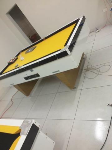 Mesa Comercial de Sinuca | Mesa Branca | Tecido Amarelo | Borda Preta | Modelo: IIFX8685
