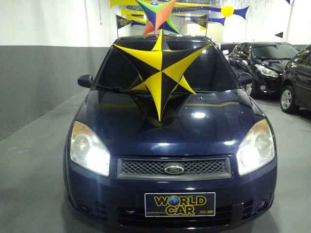 Fiesta Sedan é Na World Car