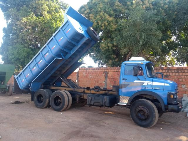 Caminhão 1519 basculante - Foto 2