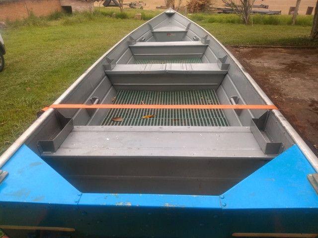 Vendo barco alumínio com carreta ok  - Foto 2