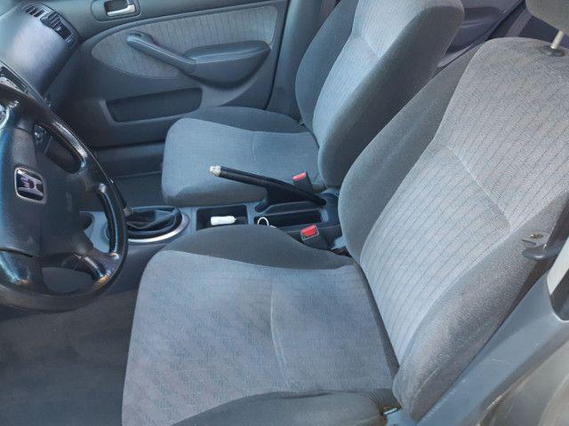 Honda Civic vendo ou troco por outro carro mais novo - Foto 9